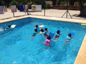 Natación con niños